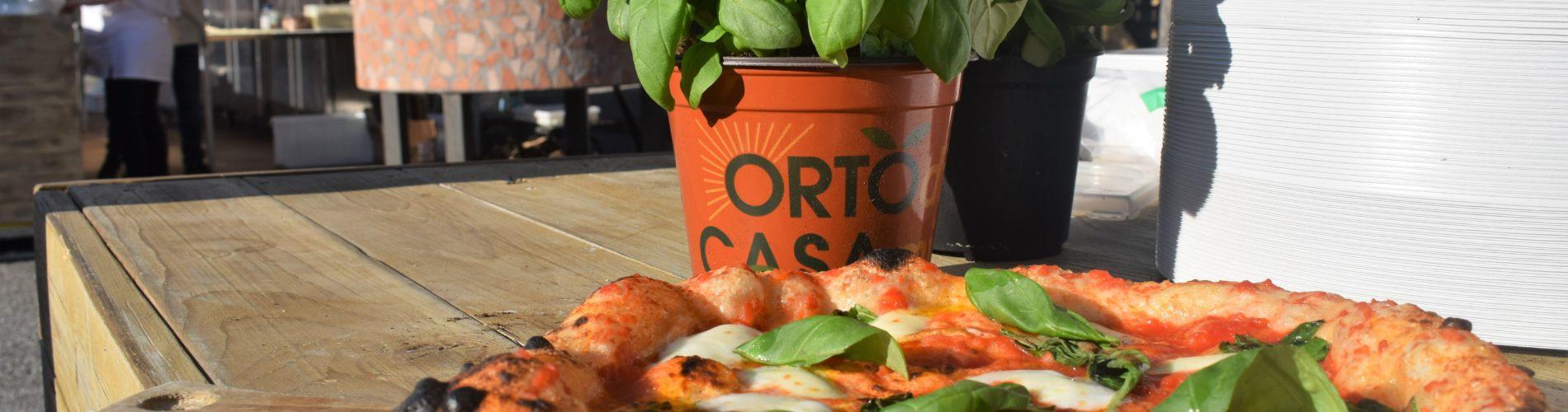 Pizza margherita dei fratelli d'auria pisa panuozzo al pizza pisa festival